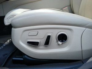 Nice controls for driver seat