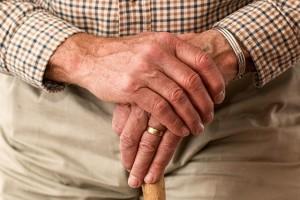 hands-981400_640